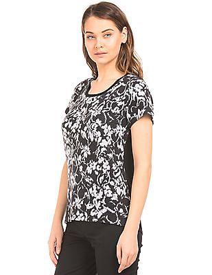 Arrow Woman Short Sleeve Patterned Knit Top
