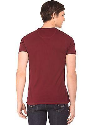 Izod Printed Crew Neck T-Shirt