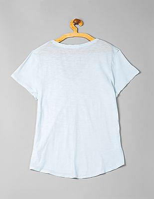 GAP V-Neck Graphic Tee