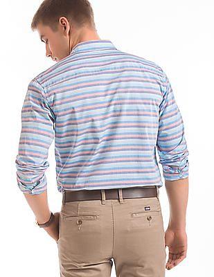 Izod Gradient Striped Slim Fit Shirt